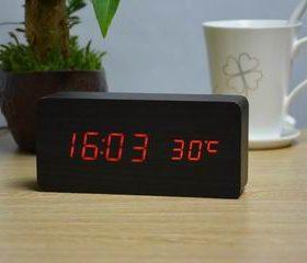 CONSEILSHorloge alarme digitale à LED en bois v2